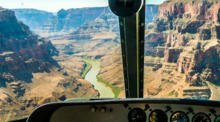 Lot helikopterem nad Wielkim Kanionem