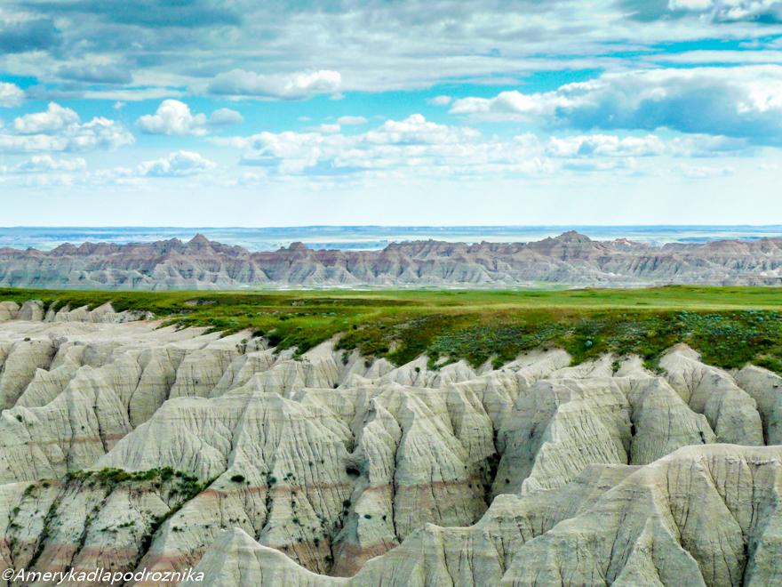 badlands pinnacle overlook