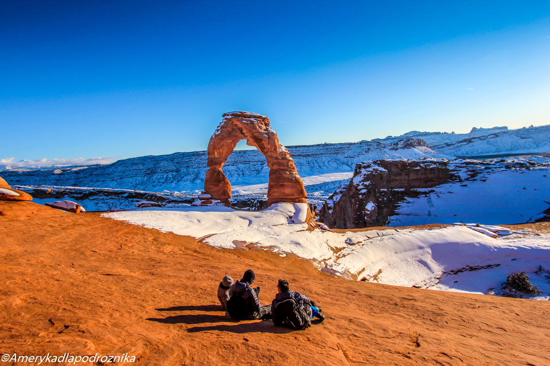 delicate arch zimą